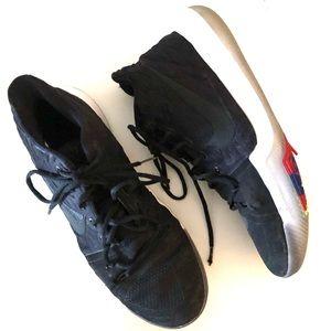 Nike Kyrie 3 Black Sneakers